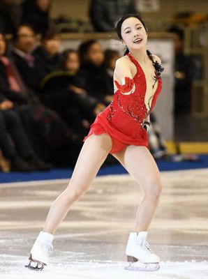 本田真凜が巻き返しへ初滑り「心を込めて楽しんで」