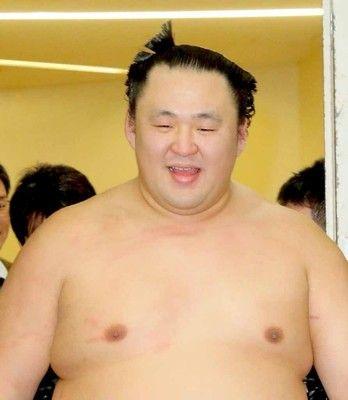 玉鷲、遠藤を下し初優勝…年長2位の34歳初V、片男波部屋からは48年ぶり