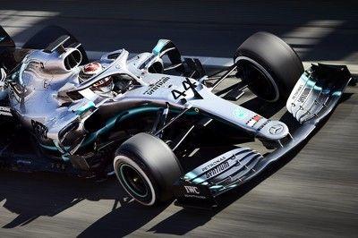 マクラーレン、赤旗2回も最速。大型アップデート導入のメルセデス、トラブル発生でつまずく/F1テスト2回目デイ1