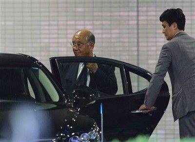阪神・坂井オーナーが辞任、後任監督の選考は「私は決めません」