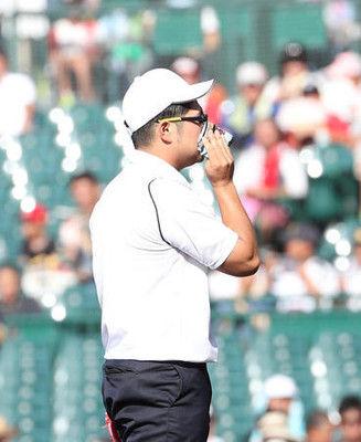 駒苫OB本間篤史氏ハンカチ王子ものまね始球式