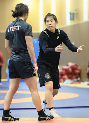 吉田沙保里、副学長を辞任「指導と練習に専念」