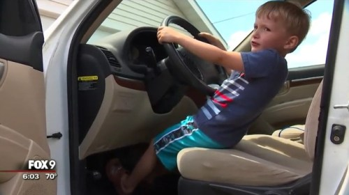 4歳少年 車運転 チョコに関連した画像-01