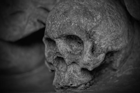 skull-and-crossbones-77950_640_e