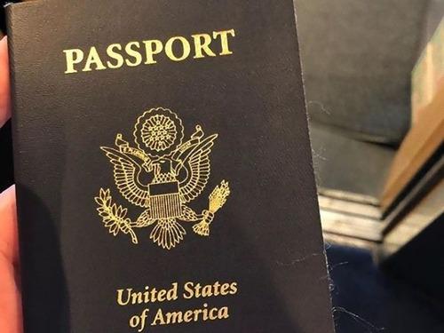 京都にパスポートを忘れた外国人00