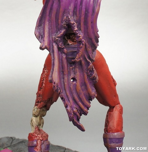 011-Zombie-Magneto-Marvel-Select-Diamond