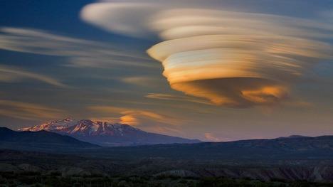 130329パタゴニアのレンズ雲@アルゼンチン パタゴニア