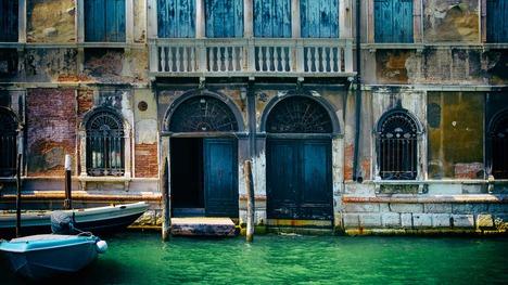 141122運河沿いの建物@イタリア ヴェネツィア
