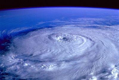 hurricane-92968_1920-400x270-MM-100