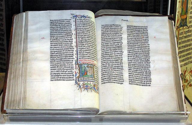 1024px-Bible.malmesbury.arp