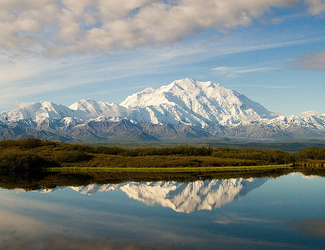 800px-Wonder_Lake_and_Denali