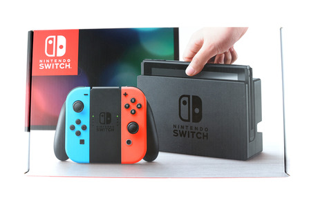 171110_you_can_buy_nintendo_switch_now_0-w960