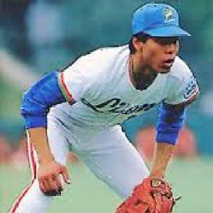 秋山三塁手