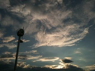 雲(MOZOワンダーシティ)
