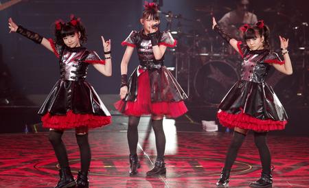 BABYMETAL-Live-at-Budokan-babymetal-36974720-1280-779