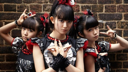 babymetal-are-bringing-kawaii-metal-to-the-world-1408726183