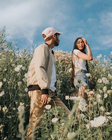 couple pendant une randonnée