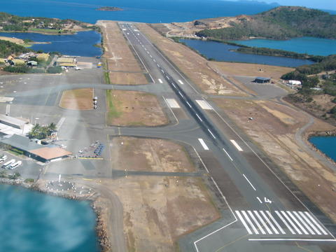 Great_Barrier_Reef_Airport