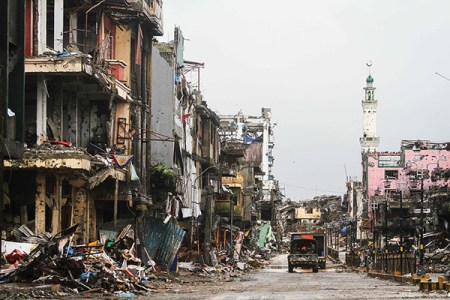 10182017_SoldiersRuins_MarawiCity_01-_KeithBacongco