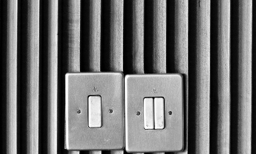 Two switches make or break positivity or negativity circuit.