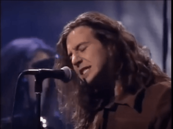 """Watch Pearl Jam's Passionate Rendition Of """"Alive"""" From ..."""