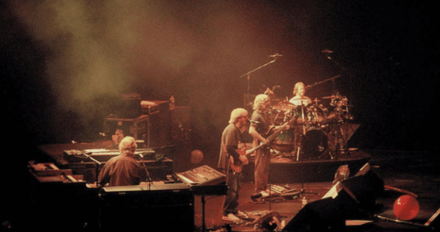 Phish Performs Pink Floyd's 'Dark Side Of The Moon' In Utah, 21 Years Ago Today [Full Audio]