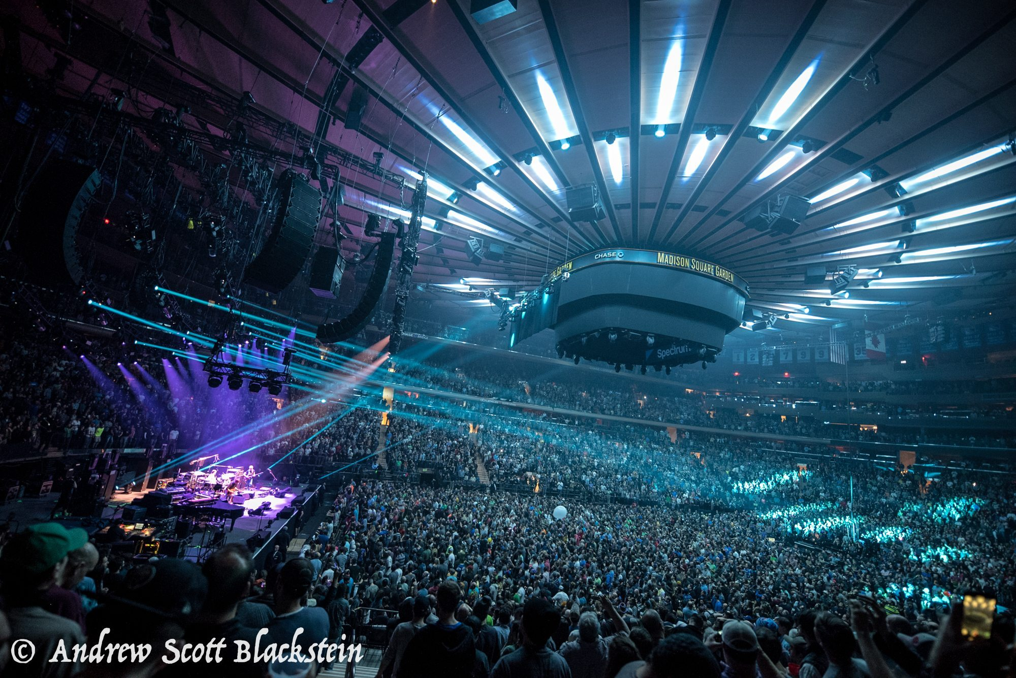 Phish Tops Billboard S Hot Tours List After Successful Msg New