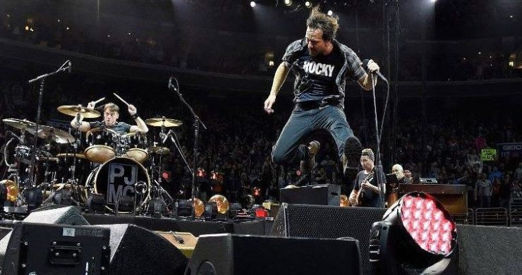 pearl jam, superblood wolfmoon, new single, release, augmented reality, app, powster