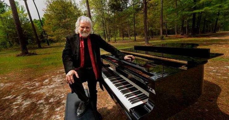 chuck leavell, chuck leavell documentary, chuck leavell the tree man, rolling stones, allman brothers band, rolling stones keyboardist, chuck leavell trees, chuck leavell environment, chuck leavell movie, chuck leavell piano, chuck leavell jessica