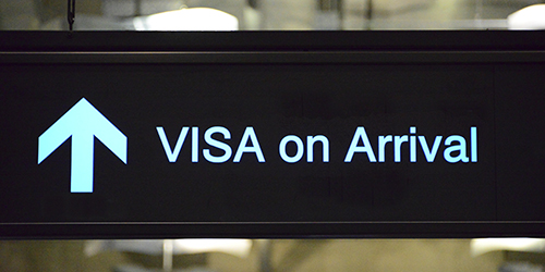 Bang Phli District, Samut Prakan Province, Thailand: visa on arrival sign - Suvarnabhumi Airport, aka as New Bangkok International Airport - photo by M.Torres