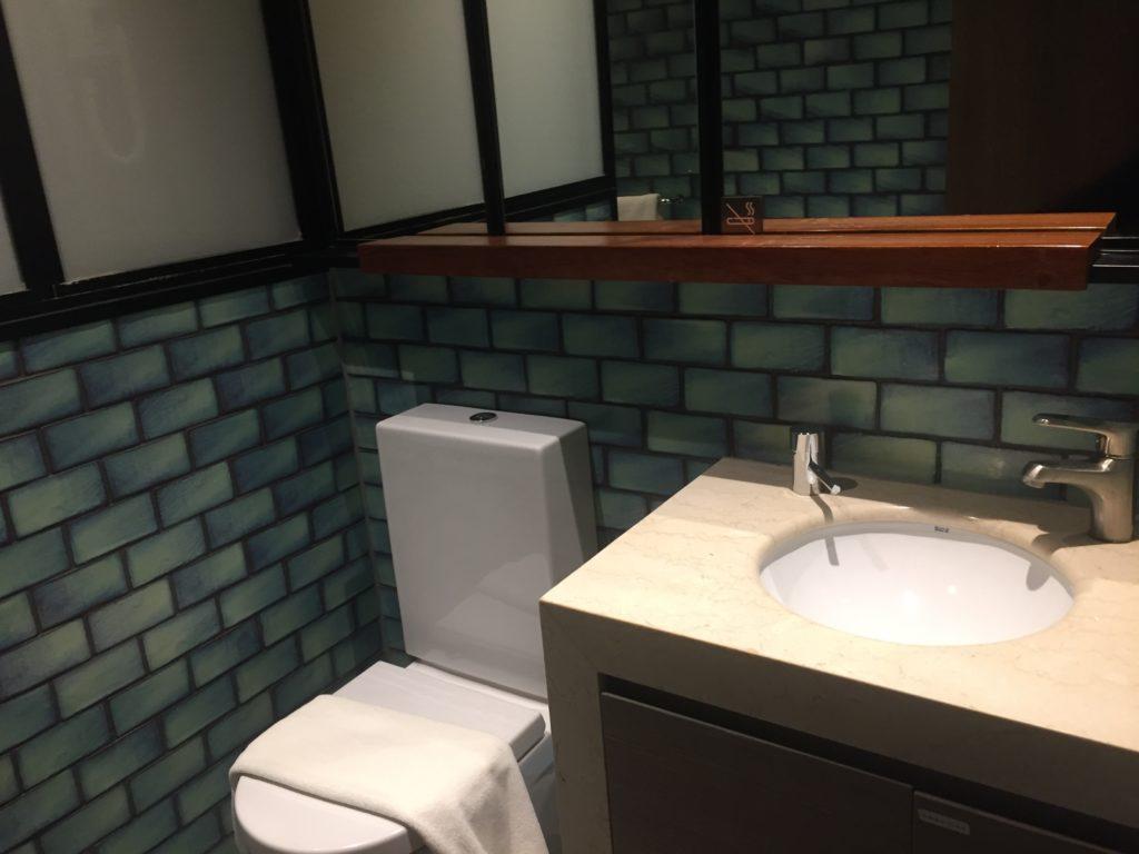 Shower Area Plaza Premium Arrivals Lounge, LHR T2