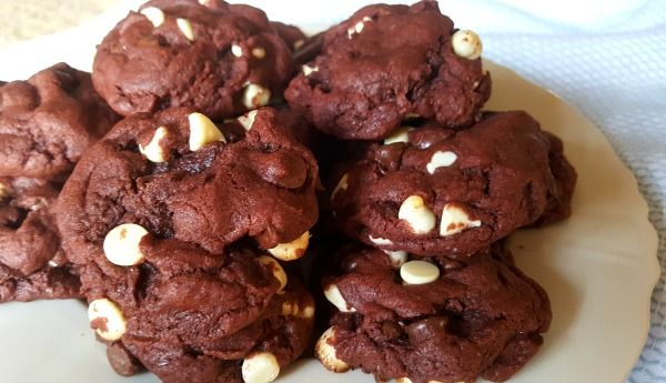 Triple chocolate pudding cookies