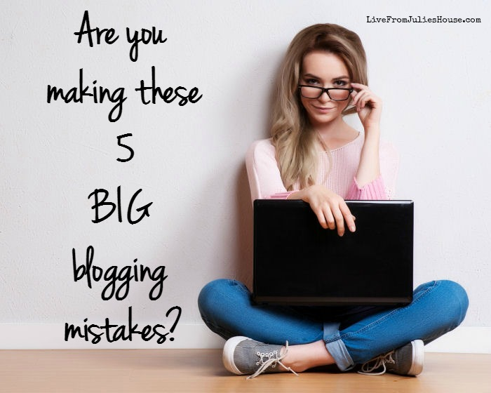 Are you making theses 5 BIG Blogging Mistakes? Are you making these 5 big blogging mistakes that discourage your readers from commenting and sharing your posts?