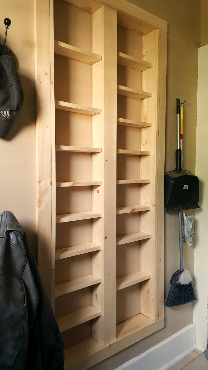 Charmant Pantry Between The Studs   Are You Short On Kitchen Storage? This DIY  Pantry Between