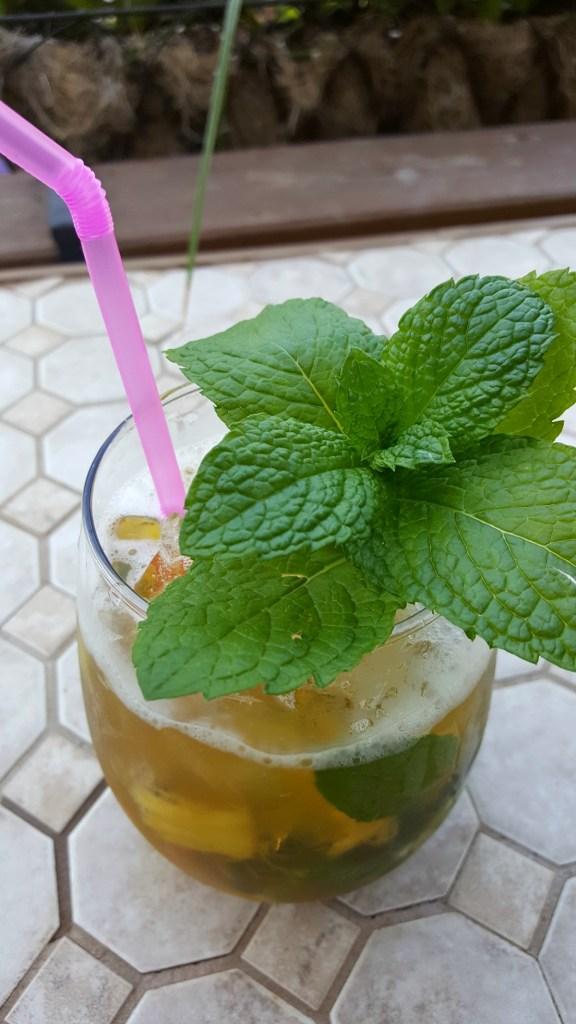 pineapple vanilla mojito