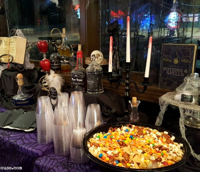 Halloween Decor on the Cheap: It's Party Time!