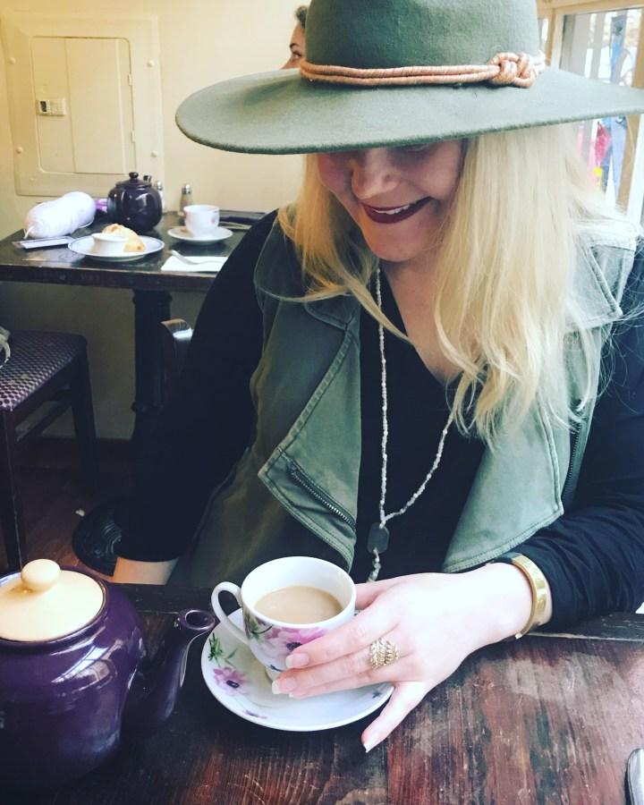 Wanderlusting Eats: Alice's Tea Cup