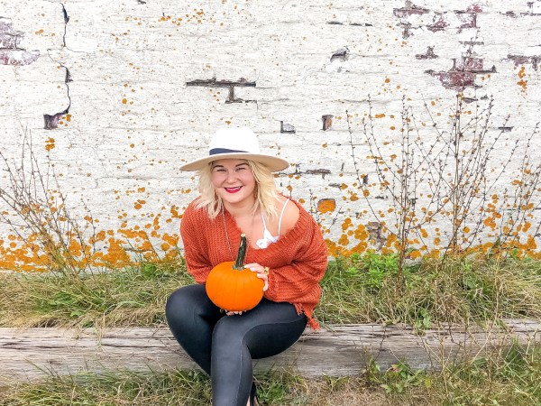 Wha Do I Wear: The Orange/Rust Sweater