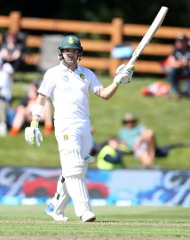 DUNEDIN, NEW ZEALAND - MARCH 08: Dean Elgar of South Africa celebrates 50 runs during day one of the First Test match between New Zealand and South Africa at University Oval on March 8, 2017 in Dunedin, New Zealand. (Photo by Dianne Manson/Getty Images)