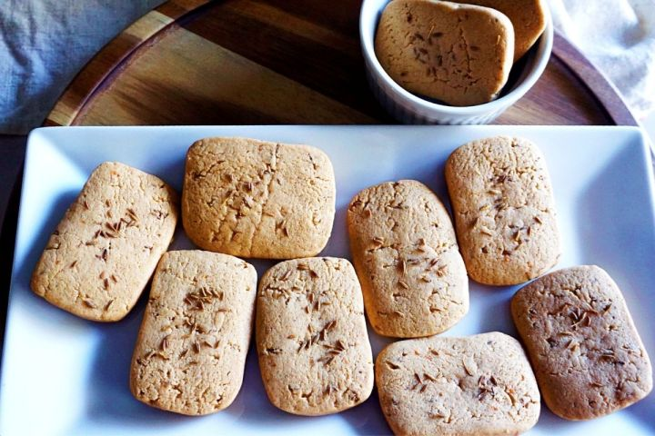 Jeera biscuits on tray