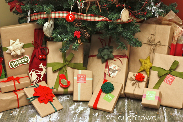 Wrapped Christmas Gifts in Kraft Paper with livelaughrowe.com