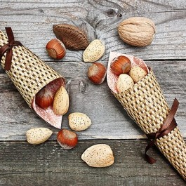 Add these mini cornucopia favors to your upcoming fall festivities. They would make great favors or gifts for your guests!