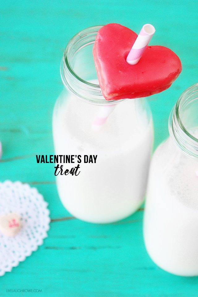 Love the idea of putting holes in the cookies to place on straws in the milk! Such a cute Valentine's Day Treat. livelaughrowe.com