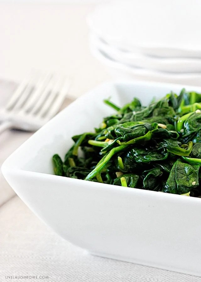 Delicious and healthy side dish.  Garlic Sautéed Spinach with livelaughrowe.com