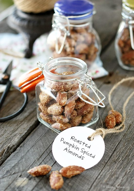 Savory Roasted Pumpkin Spiced Almonds! Love these for gift giving. Recipe at livelaughrowe.com #almonds