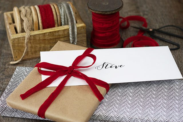 Creative Gift Giving with Groupon!  It's time for a Date Night with Dinner and a Movie! Here's a creative way to gift this to your significant other.  www.livelaughrowe.com