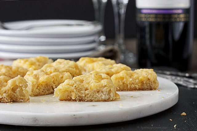 The most delicious and simple appetizer! Make-ahead Crab Meat Hors D'oeuvres with www.livelaughrowe.com