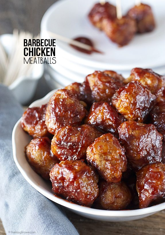 Must try!! This easy-to-follow recipe, Barbecue Chicken Meatballs, looks like its perfect as an appetizer or entrée.  Recipe at www.livelaughrowe.com #meatballs #appetizer