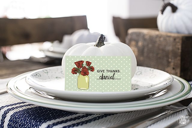 Printable Give Thanks Place Cards. Unconventional Thanksgiving Place Cards that will be a wonderful additionl to your Thanksgiving tablescape. www.livelaughrowe.com