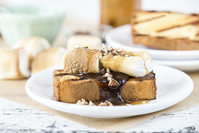 Time for some grilling love! This Turtle S'mores Cake is sweet and satisfying -- each bite is packed with flavor. Who said grilling had to be just for meat and veggies? livelaughrowe.com